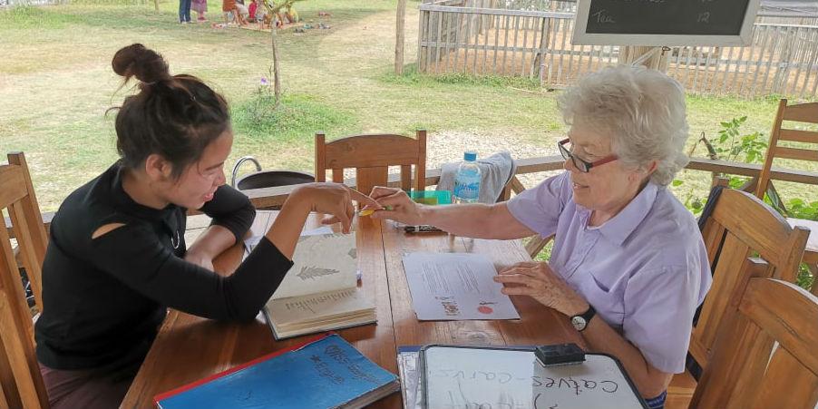 international volunteer opportunities for older adults