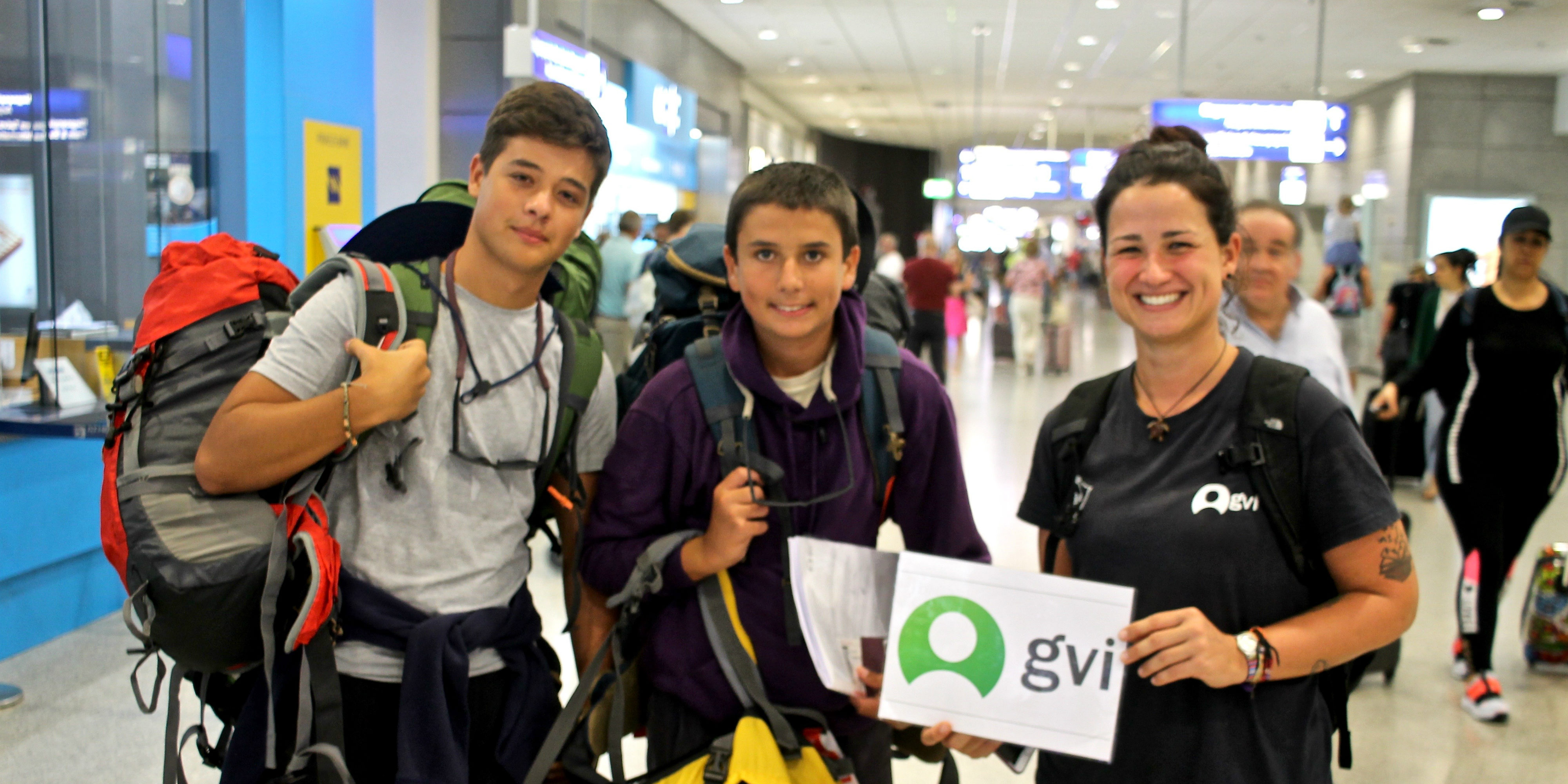 Wondering what to pack for a school trip abroad? These teen volunteers prepared well, with all their kit stored in a lightweight backpack.