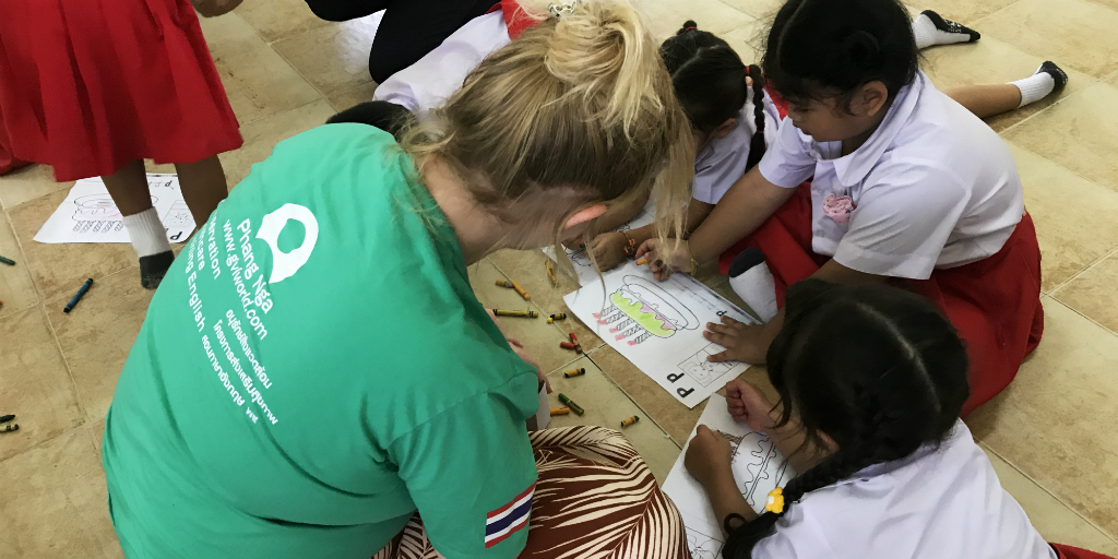 Voluntary work over Christmas is something special in Phang Nga, Thailand