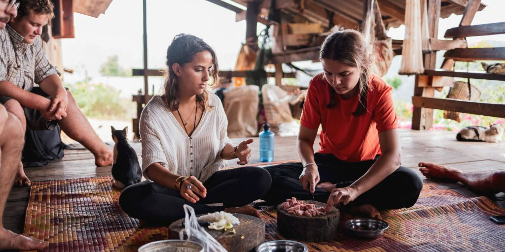 GVI participants prepare a meal from their eco-friendly accomodation in Thailand